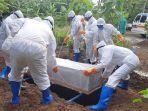relawan-pemakaman-jenazah-covid-19-bpbd-kabupaten-pekalongan.jpg