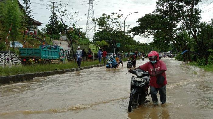 BMKG Imbau Masyarakat Sorong untuk Waspada: Hujan Berpotensi Mengakibatkan Banjir dan Longsor