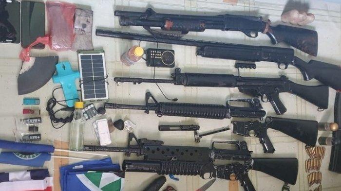 2 Anggota KKB Pimpinan Lamek Taplo Ditangkap TNI, 5 Pucuk Senjata Api Diamankan