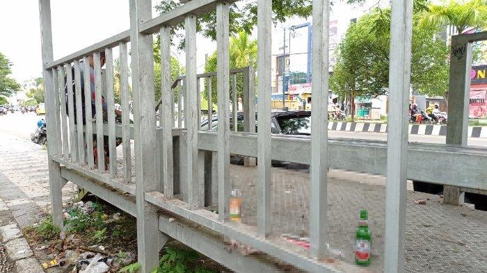 Warga Sorong Sesalkan Halte Bandara Deo Dijadikan Tempat Mabuk