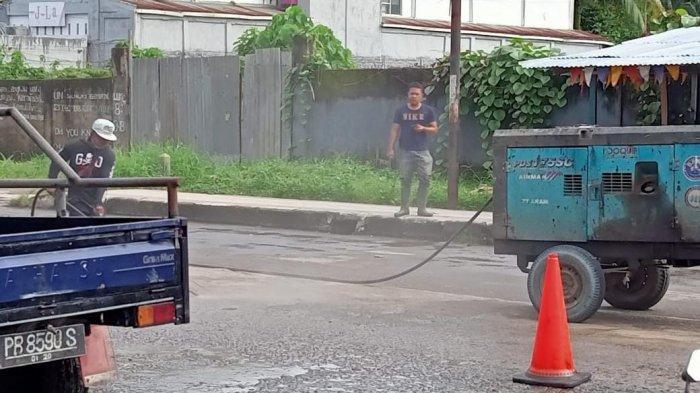 Jelang Kunjungan Jokowi, Ruas Jalan Sudirman Sorong 'Disulap' Jadi Mulus setelah Lama Tak Diperbaiki