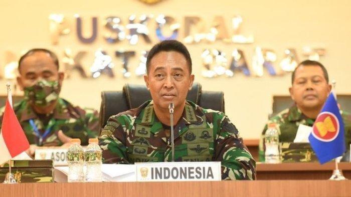 Jenguk Korban Penyerangan Posramil Kisor Maybrat, Jenderal Andika Perkasa Beri Hadiah Serda Imanuel