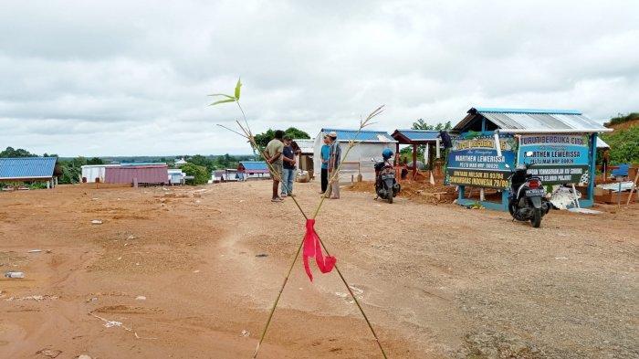 Masyarakat Adat Pemilik Hak Ulayat di Sorong Memalang Lokasi Makam Pasien Covid-19, Ini Alasannya