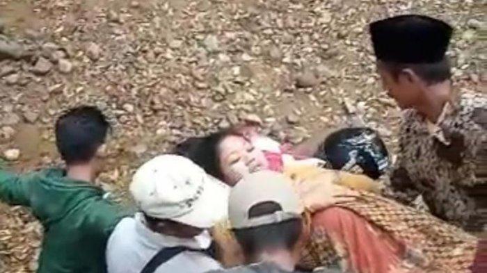 Viral Video Ibu Hamil Ditandu Lewat Jalur Curam untuk Melahirkan, Kades Beri Penjelasan
