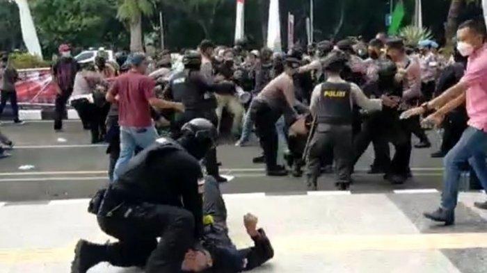 Viral Polisi Banting Pendemo hingga Kejang-kejang, Kapolres Tangerang Ungkap Kondisi Korban