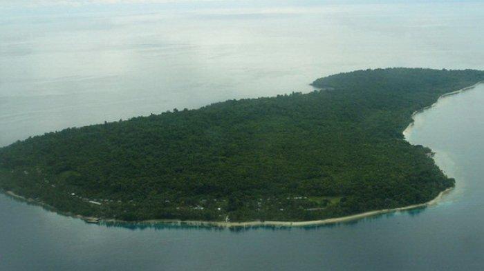 Pulau Mansinam, Papua Barat, dilihat dari atas