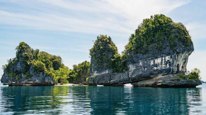 10 Lokasi Wisata Kepulauan Terbaik di Indonesia, Raja Ampat Terkenal Tempat Menyelamnya