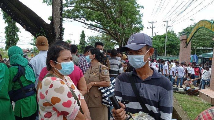 Cerita Pedagang Keliling Kebanjiran Berkah Berkat Kunjungan Jokowi ke Sorong