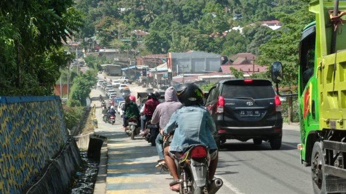 Kunjungan Wapres di Manokwari Sempat Timbulkan Macet, Sejumlah Kendaraan Terjebak di Jalan Esau Sesa