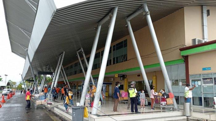 Penumpang di Bandara Rendani Menurun di Hari Pertama PPKM, Sopir Taksi Keluhkan Sepinya Pelanggan