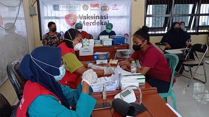 Tinjau Vaksinasi Merdeka di UMS, Kapolda Papua Barat: Kita Targetkan 3.000 Mahasiswa Divaksin
