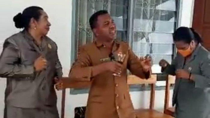 Viral Video Anggota DPRD Malaka Minum Miras hingga Asyik Berjoget di Kantor, Ketua DPRD Minta Maaf