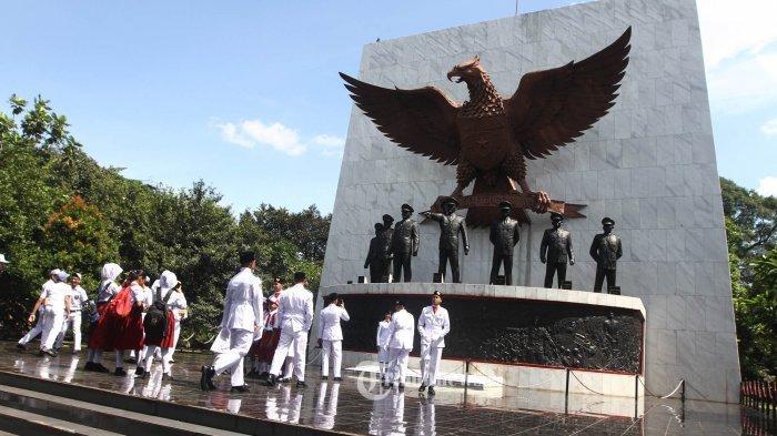 Pengangkatan Jasad 7 Pahlawan Revolusi Korban G30S di Lubang Buaya dan Sosok Dokter Kho Tjioe Liang