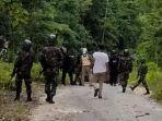 Aparat-melakukan-pengejaran-terhadap-anggota-KNPB-di-Maybrat-Papua-Barat.jpg