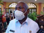 Gubernur-Provinsi-Papua-Barat-Dominggus-Mandacan-3.jpg