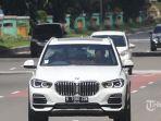 Pengunjung-saat-menikmati-sensasi-test-drive-The-All-New-BMW-X5.jpg