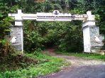 Pintu-gerbang-masuk-di-kawasan-Taman-Wisata-Alam-Gunung-Meja.jpg