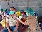 vaksinasi-massal-di-Lapangan-Borarsi-Manokwari.jpg