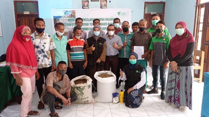 Dompet Dhuafa Gandeng Politani Kupang Bikin Pupuk Kompos di Raknamo dan Tuapukan