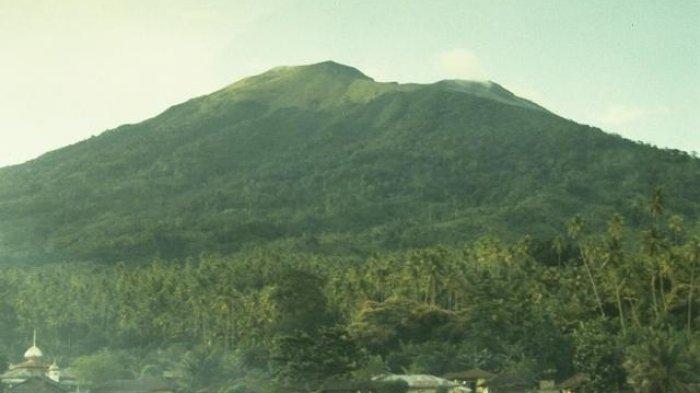 Daftar Nama Gunung di Provinsi Maluku