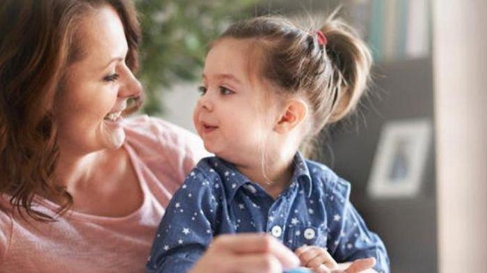 Anak Terlambat Bicara, Kenali Tanda dan Penyebabnya