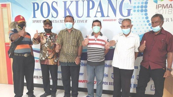 Ketua Kokpit DPW NTT didampingi ketua Kokpit DPD se Pulau Timor usai berbincang di Pos Kupang, Sabtu 12 Juni 2021