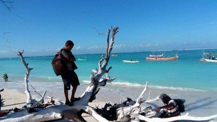 Pantai Rada Kapal di Kabupaten Sumba Barat Daya Provinsi NTT