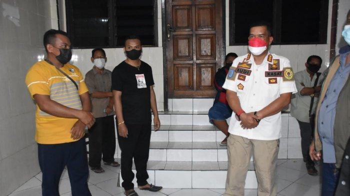 Kasat Pol PP Abubakar Pimpin Satgas Kota Kupang Operasi PPKM Level IV di Tempat Gym