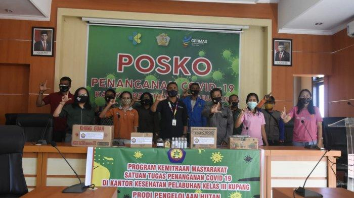 Madu, Khong Guan, Masker & Hand Sanitizer dari Dosen Prodi Pengelolaan Kehutanan untuk Petugas KKP