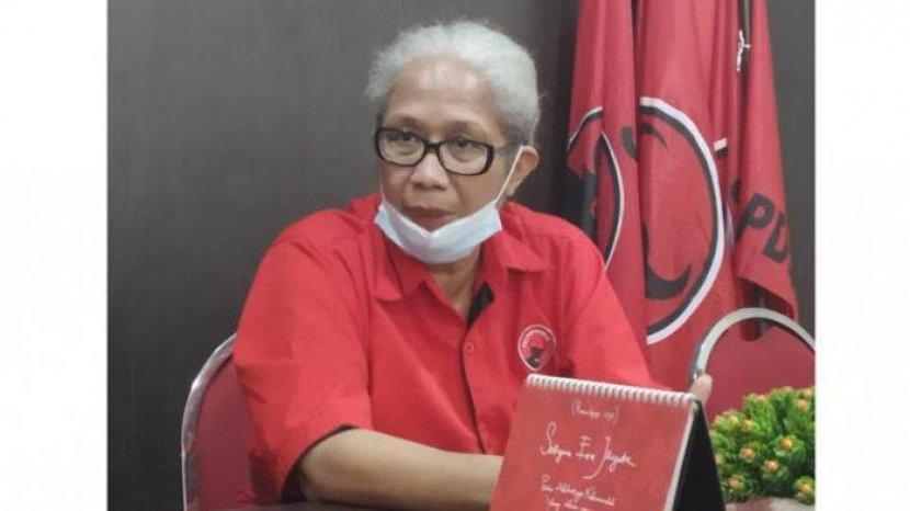Charge HP dan Kerjakan Tugas Sekolah di Rujab Ketua DPRD NTT Emy Omleni