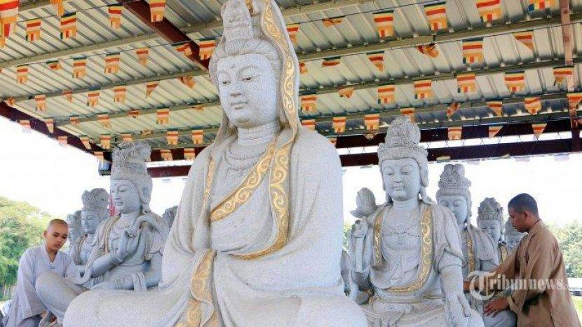 Waisak Hari Raya Umat Buddha, Sejarah dan Trihari Suci