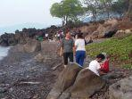 wisata-alam-pantai-air-panas-kawaliwu-1.jpg