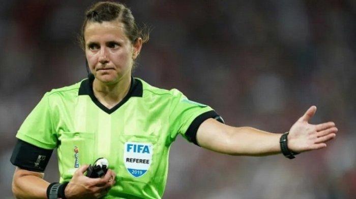 Kateryna Monzul, Wasit Wanita Pertama yang Memimpin Pertadingan Kualifikasi Piala Dunia