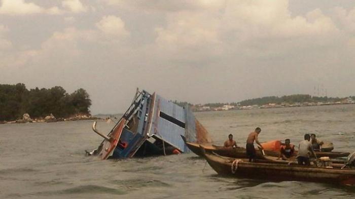 Boat Asal Sibolga Muatan 33 ABK Tenggelam di Aceh Jaya