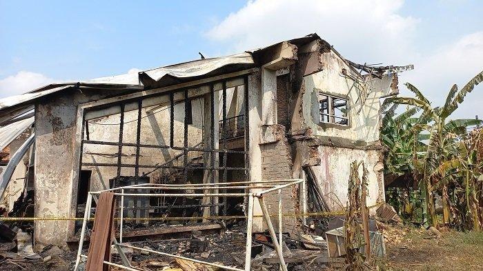 Gudang Terbakar, Sofa dan Kasur Milik Perusahaan Mebel Lenyap