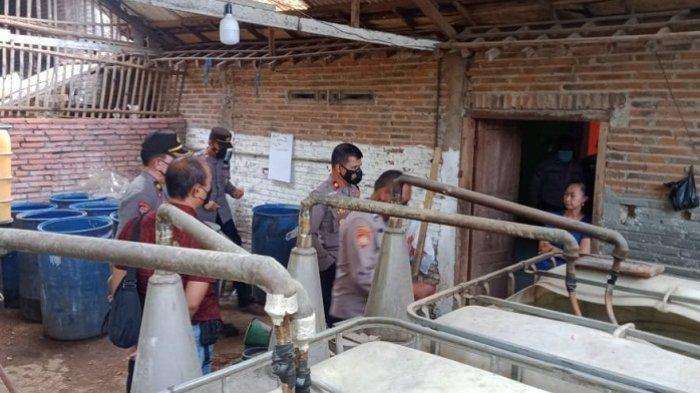 Rumah Produksi Arak Oplosan Bersindikat Budidaya Lele Digrebek Polisi