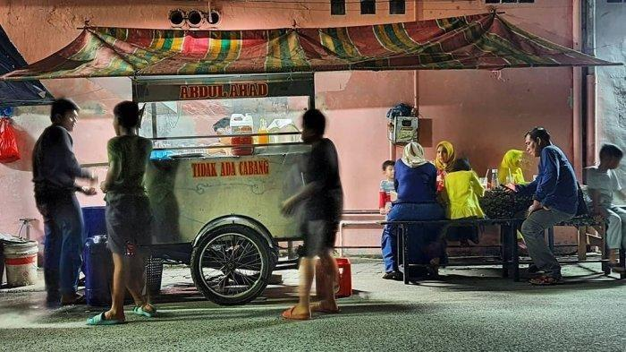 Jalan-Jalan ke Kota Medan? Janga Lupa Nikmati Kerang Rebus dan Susu Ahad nan Legendaris