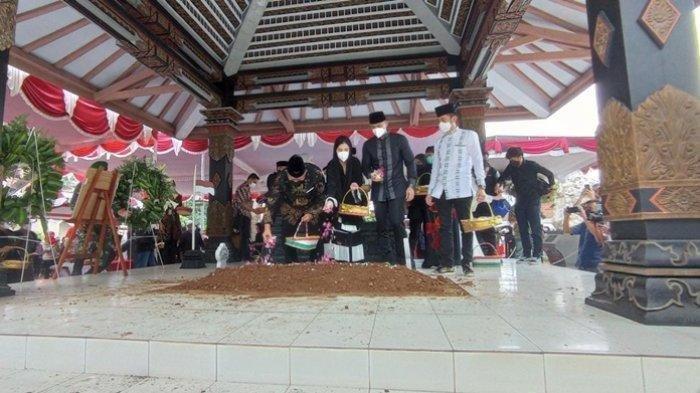 Jenazah Sang Ibu Mertua SBY Dimakamkan di Pemakaman Keluarga Purworejo