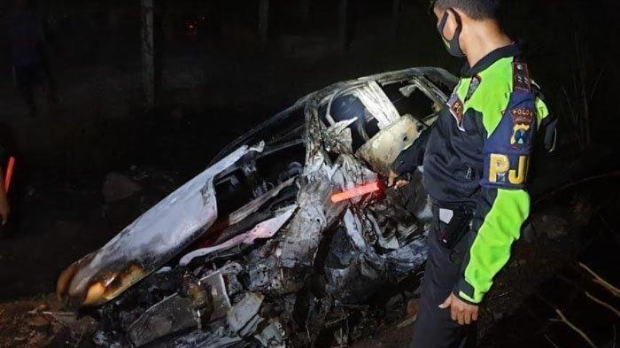 Usai Tabrakan Beruntun di Tol Malang-Surabaya, Satu Unit Mobil Terbakar, Seorang Korban Tewas