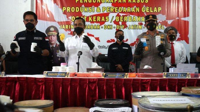 Polisi Bongkar Pabrik Obat Keras Ilegal, 4 Orang Jadi Tersangka