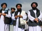 juru-bicara-taliban-zabihullah-mujahid-tengah-berbicara-kepada-media-di-bandara-di-kabul.jpg