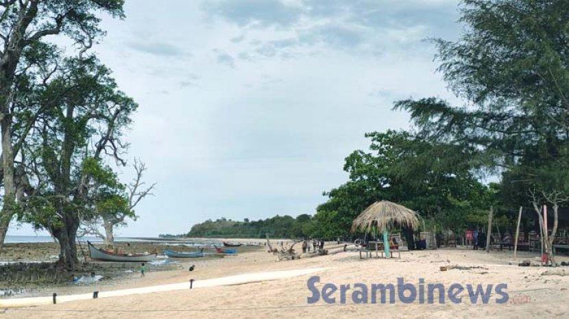 wisata-di-pantai-pasir-putih-lokasi-wisata-seperti-di-luar-negeri-dengan-perbukitan-teletubbies4.jpg