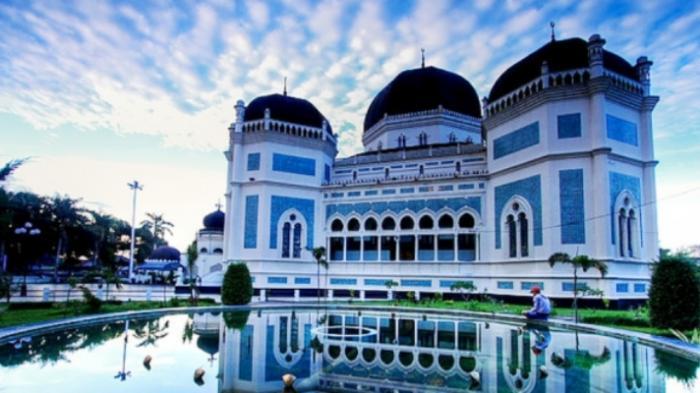 Al Mashun: Masjid Kejayaan Kesultanan Deli