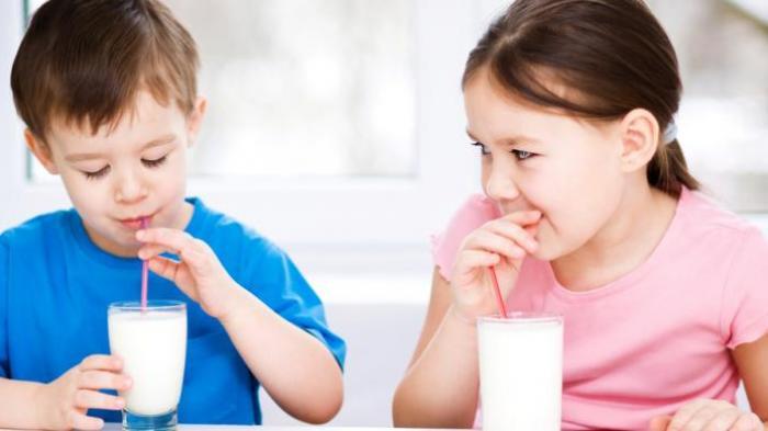 Anak Usia 7 Tahun Mulai Tak Tertarik Minum Susu