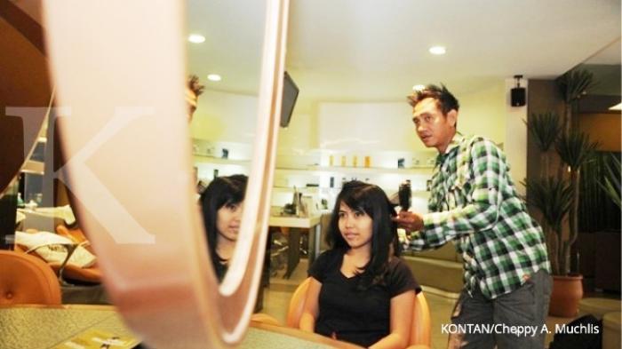 Menyisir Peluang Laba Salon Anak Muda