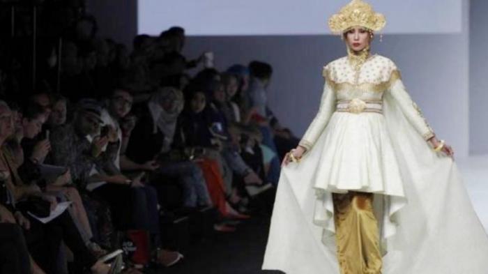 Model Belanda Takjub `Denyut` Fesyen Indonesia