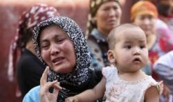 Cina Paksa Muslim Uighur Jual Alkohol