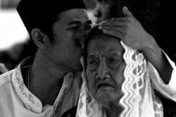 Mengapa Ibu Selalu Bersabar pada Anaknya?