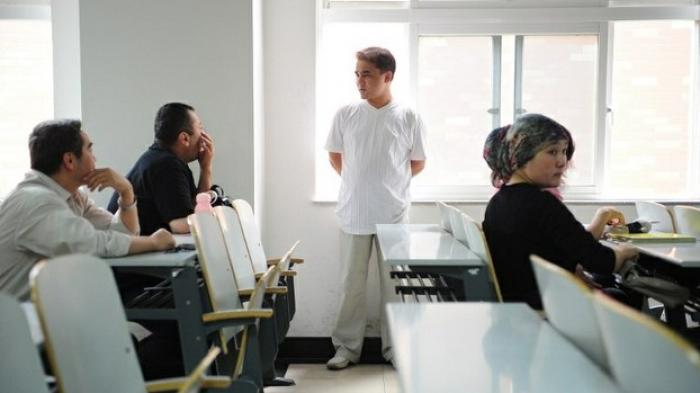 Cendekiawan Muslim Uighur Dpenjara Seumur Hidup