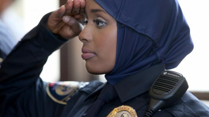Kadra Mohamed, Polwan Minnesota Pertama yang Kenakan Hijab